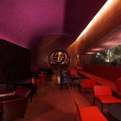 Отель The Roseate New Delhi гостиничный бар