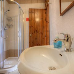 Отель Green Grove Guest House ванная фото 2