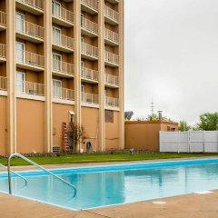 Clarion Hotel Conference Center Эссингтон бассейн