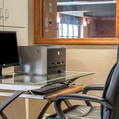 Отель Comfort Inn North Conference Center интерьер отеля фото 2