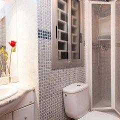 Отель Sants Montjuic Spanish Village area Барселона ванная