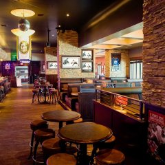 Отель Sandman Hotel Vancouver City Centre Канада, Ванкувер - отзывы, цены и фото номеров - забронировать отель Sandman Hotel Vancouver City Centre онлайн гостиничный бар