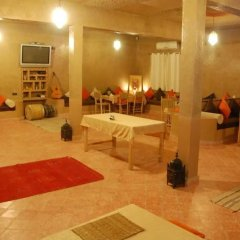 Отель L'Homme du Désert Марокко, Мерзуга - отзывы, цены и фото номеров - забронировать отель L'Homme du Désert онлайн питание фото 2