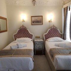 Отель Romantic Mansion сейф в номере