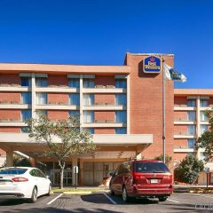 Отель Best Western Capital Beltway Ленхем парковка