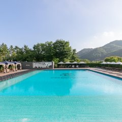Отель Kensington Hotel Pyeongchang Южная Корея, Пхёнчан - 1 отзыв об отеле, цены и фото номеров - забронировать отель Kensington Hotel Pyeongchang онлайн бассейн фото 3
