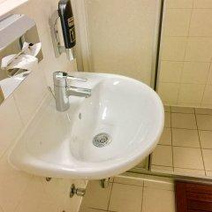 Отель a&t Holiday Hostel Австрия, Вена - 9 отзывов об отеле, цены и фото номеров - забронировать отель a&t Holiday Hostel онлайн ванная фото 2