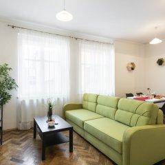 Апартаменты Hybernska Apartments комната для гостей