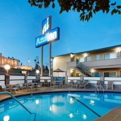 Отель Good Nite Inn West Los Angeles-Century City бассейн фото 3