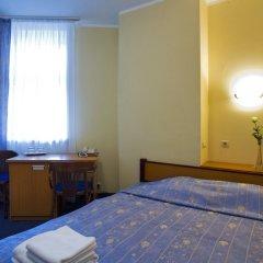 Отель Rija Irina Рига сейф в номере