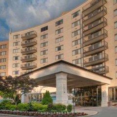 Отель Arlington Court Suites Hotel США, Арлингтон - отзывы, цены и фото номеров - забронировать отель Arlington Court Suites Hotel онлайн вид на фасад