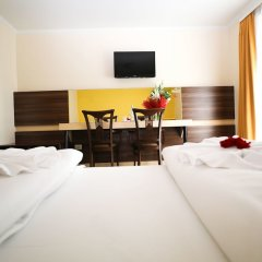 Primus Hotel & Apartments сейф в номере