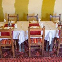 Отель Les Pyramides Hotel Марокко, Мерзуга - отзывы, цены и фото номеров - забронировать отель Les Pyramides Hotel онлайн питание