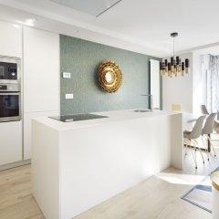 Апартаменты La Concha Attic Apartment by FeelFree Rentals в номере