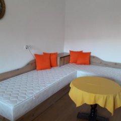Отель Mavrova Guest House Поморие комната для гостей фото 5