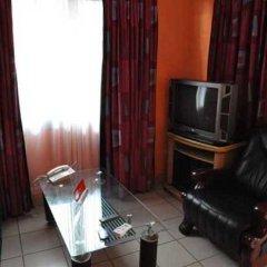 Отель Residence Saint-Jacques Brazzaville Республика Конго, Браззавиль - отзывы, цены и фото номеров - забронировать отель Residence Saint-Jacques Brazzaville онлайн комната для гостей фото 2
