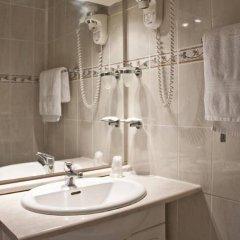 Отель Hippodrome Франция, Париж - отзывы, цены и фото номеров - забронировать отель Hippodrome онлайн ванная фото 2