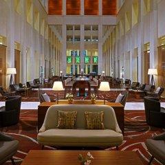 Отель Berlin Marriott Hotel Германия, Берлин - 3 отзыва об отеле, цены и фото номеров - забронировать отель Berlin Marriott Hotel онлайн интерьер отеля фото 3