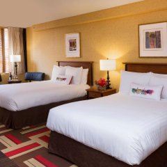 The St. Gregory Hotel комната для гостей