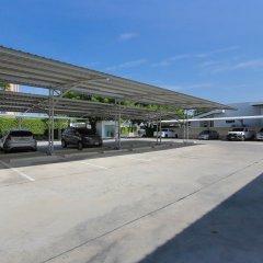 Отель White Sand Beach Residences Pattaya парковка