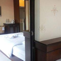 Rayaburi Hotel Patong Пхукет удобства в номере