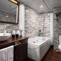 Отель Pelican Halong Cruise ванная фото 2