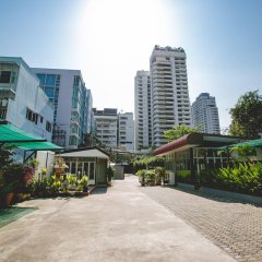 Отель Ruamchitt Travelodge Бангкок парковка