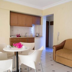 Апартаменты Amaris Apartments комната для гостей