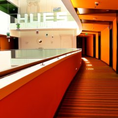 Hues Boutique Hotel парковка