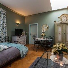 Апартаменты Charming Prague Apartments At Black Star Прага комната для гостей фото 2