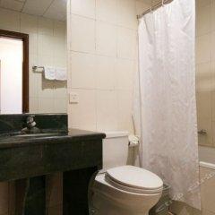 Отель Beijing Pianyifang Hotel Китай, Пекин - отзывы, цены и фото номеров - забронировать отель Beijing Pianyifang Hotel онлайн ванная