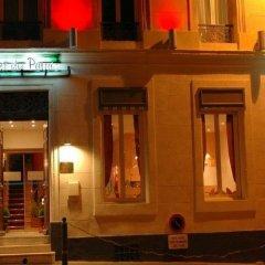 Отель Adonis Marseille Vieux Port вид на фасад