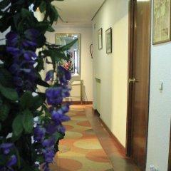 Отель Hostal Esmeralda интерьер отеля