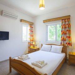Отель Protaras Views Villa Кипр, Протарас - отзывы, цены и фото номеров - забронировать отель Protaras Views Villa онлайн комната для гостей фото 5
