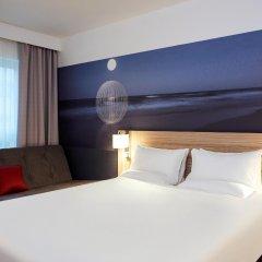 Отель Novotel London Stansted Airport комната для гостей