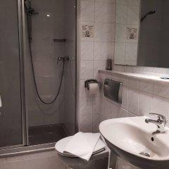Отель Kunibert der Fiese Германия, Кёльн - отзывы, цены и фото номеров - забронировать отель Kunibert der Fiese онлайн ванная