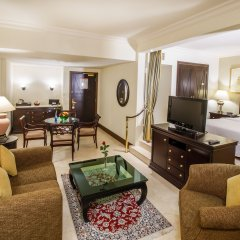 Отель Grand Excelsior Hotel Deira ОАЭ, Дубай - 1 отзыв об отеле, цены и фото номеров - забронировать отель Grand Excelsior Hotel Deira онлайн комната для гостей фото 4