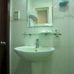 Отель Hoang Hotel Вьетнам, Хошимин - отзывы, цены и фото номеров - забронировать отель Hoang Hotel онлайн ванная фото 2