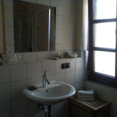 Отель Messezimmer Nähe Zentrum Кёльн ванная