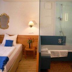 Отель Altstadthotel Wolf Зальцбург комната для гостей фото 3