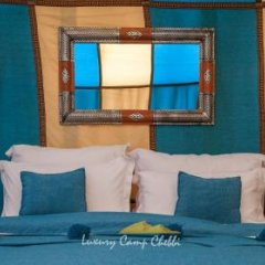 Отель Dunes Luxury Camp Erg Chebbi Марокко, Мерзуга - отзывы, цены и фото номеров - забронировать отель Dunes Luxury Camp Erg Chebbi онлайн комната для гостей фото 4