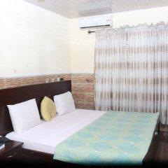 Отель L & L Executive Hotels and Suites комната для гостей
