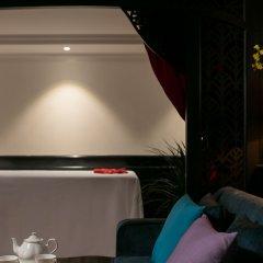 Отель Le Theatre Cruise гостиничный бар