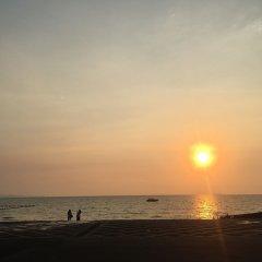 Отель D Varee Jomtien Beach Таиланд, Паттайя - 5 отзывов об отеле, цены и фото номеров - забронировать отель D Varee Jomtien Beach онлайн пляж фото 2
