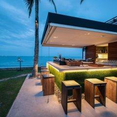 Отель Putahracsa Hua Hin Resort гостиничный бар