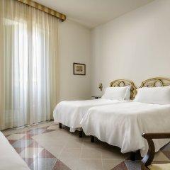 Отель Eurostars Centrale Palace сейф в номере