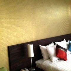 Отель Baansilom Soi 3 Таиланд, Бангкок - 1 отзыв об отеле, цены и фото номеров - забронировать отель Baansilom Soi 3 онлайн сейф в номере