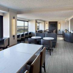 Отель Newark Liberty International Airport Marriott США, Ньюарк - отзывы, цены и фото номеров - забронировать отель Newark Liberty International Airport Marriott онлайн питание фото 3