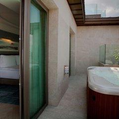 Radisson Blu Hotel Istanbul Pera Турция, Стамбул - 2 отзыва об отеле, цены и фото номеров - забронировать отель Radisson Blu Hotel Istanbul Pera онлайн ванная фото 2