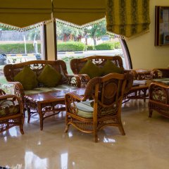 Отель Beach Resort by Bin Majid Hotels & Resorts питание